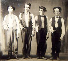Left to Right. Billy the Kid, Doc Holliday, Jesse James & Charlie Bowdre.*** NOT Billy the Kid, not Doc Holliday and not Jesse James. if it is a photo of these men, then I am Abe Lincoln. Doc Holliday, Jesse James, Billy Kid, Billy The Kids, Old Pictures, Old Photos, Rare Photos, Old West Outlaws, The Lone Ranger