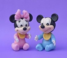 Minnie Cake, Mickey Cakes, Mickey Mouse Cake, Fondant Cake Toppers, Fondant Figures, Cake Pop Designs, Family Cake, 1st Birthday Themes, Minnie Mouse Baby Shower
