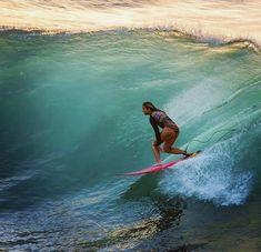 Surf and Skate Beach Fun, Ocean Beach, Surf Hair, Female Surfers, Big Wave Surfing, Surfing Pictures, Big Waves, Ocean Waves, Hawaii Travel