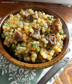 Cus-cus cu pipote, inimi si legume Romanian Food, Quinoa, Food And Drink, Sweets, Meals, Vegan, Vegetables, Recipes, Boss
