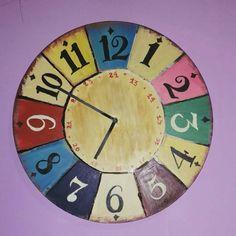 Reloj vintage pintado a mano diy. Reciclaje de reloj viejo