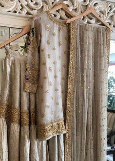 Pakistani Formal Dresses, Shadi Dresses, Nikkah Dress, Wedding Dresses For Girls, Party Wear Dresses, Party Dress, Pakistani Fashion Party Wear, Pakistani Wedding Outfits, Pakistani Bridal Dresses