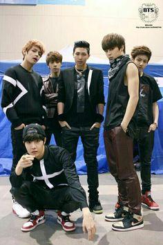 When jungkook couldnt make fun of jimin😂😂😂 Foto Bts, Bts Photo, Bts Predebut, Billboard Music Awards, Rap Monster, Bts Bangtan Boy, Bts Boys, Jimin Jungkook, K Pop