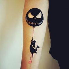 Nightmare Before Christmas tattoo! Nightmare Before Christmas tattoo! Jack Tattoo, Et Tattoo, Tattoo Henna, Piercing Tattoo, Tattoo You, Dream Tattoos, Future Tattoos, Body Art Tattoos, Sun Tattoos