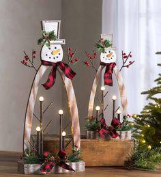 Diy Christmas Decorations, Tabletop Christmas Tree, Christmas Wood Crafts, Rustic Christmas, Simple Christmas, Handmade Christmas, Holiday Crafts, Christmas Wreaths, Christmas Ornaments