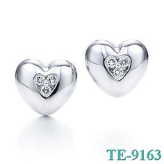 Tiffany and co Earrings Diamond Heart Shaped Solid Parquet jewelry This Tiffany Jewelry Product Features: Category:Tiffany & Co Earrings Material: Sterling Silver Manufacturer: Tiffany And CoIt is not simple to select an appropriate jewelry for oneself among dazzling ornaments on the market, which has a lot of learning.Tiffany & Co Jewelry will be women best choice.
