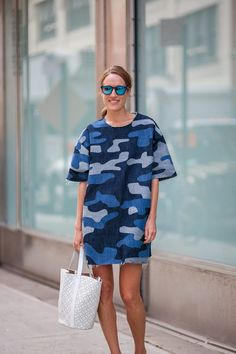 The Best Street Style From Day One of New York Fashion Week Camo Fashion, Military Fashion, Military Style, Nyfw Style, Style Me, Cool Street Fashion, Street Style Women, Kate Lanphear, Ny Fashion Week