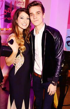 Zoe & joe sugg:)The Sugg siblings xx
