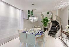 Decor Salteado - Blog de Decoração e Arquitetura : Casa sobrado com fachada moderna em terreno 12x30 - conheça todos os ambientes!