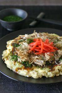 Recipe: Okonomimiyaki Japanese Pancake, Topped Okonomiyaki Sauce, Mayonnaise, Aonori Green Nori Flakes and Katsuobushi Bonito Flakes On, That is Traditional Style お好み焼き