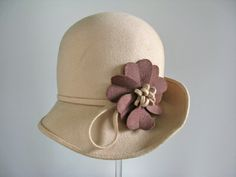 Cloche 1972. wool, felt, unlabelled | Manchester City Galleries
