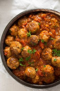 Spanish Meatballs in Tomato Sauce – uses crushed canned tomato Albondigas Recipe Spanish tapas – albondigas, these are some of the best meatballs in tomato sauce, Spanish food at its best. Tapas Recipes, Sauce Recipes, Baby Food Recipes, Meat Recipes, Spanish Food Recipes, Tapas Ideas, Burger Recipes, Recipies, Spanish Meatballs