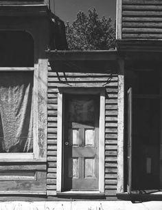 wright-morris-door-between-buildings