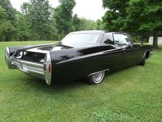 1968 Cadillac Coupe DeVille 2/2
