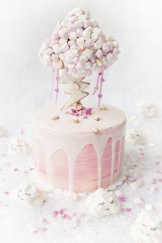 "Gravity Cake ""Summer Storm"""