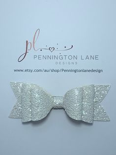 Handmade 3 Hairbow on your choice of Barrette clip or Alligator clip. White Glitter, Hairbows, Trending Outfits, Unique Jewelry, Handmade Gifts, Accessories, Etsy, Vintage, Fashion