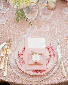 The Prettiest Place Settings from Real Celebrations | Martha Stewart Weddings – Pink and red are gorgeously romantic—they combined beautifully on these warm-hued plates. The table settings were planned by Brenda Babcock.