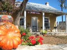 The wine bar next to Sandstone Cellars in Mason, Texas