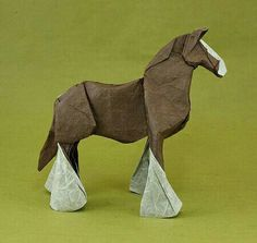 Wooow wooow!! Me encantó!! Caballo d origami :D <3