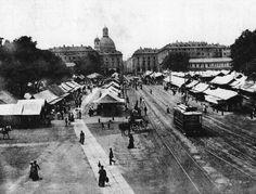 Torino - Piazza_porta_palazzo Una veduta della piazza e del mercato nella seconda metà dell'Ottocento.