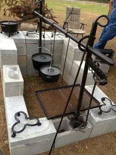 Are you looking for a nice outdoor cooking idea for your backyard? Why not build a fire pit grill! There are many great reasons to build a fire pit grill. Backyard Projects, Outdoor Projects, Diy Projects, Project Ideas, Dutch Oven Cooking, Cast Iron Cooking, Cooking Stove, Cooking Ham, Cooking Recipes