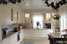 )My dream kitchen! Huge Kitchen, Kitchen Items, Above Cabinets, Kitchen Cabinets, Cocinas Kitchen, Scandinavian Kitchen, Small Spaces, Sweet Home, New Homes