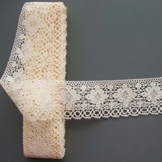 use lace trim in hair