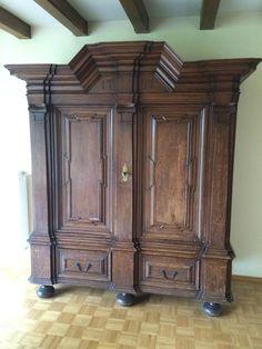 antik anrichte nussbaum massiv jugendstil gr nderzeit 1900 kommode sideboard m bel. Black Bedroom Furniture Sets. Home Design Ideas