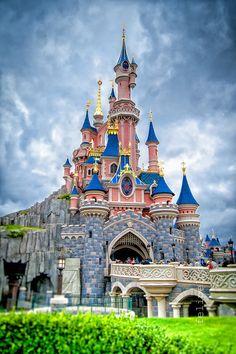 Sleeping Beauty's Castle © Felipe Lodi  http://www.felipelodiphotographer.com