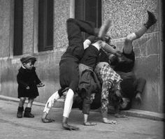 Love this! I wonder if they are doing a hand stand or trying to do a wall cast?