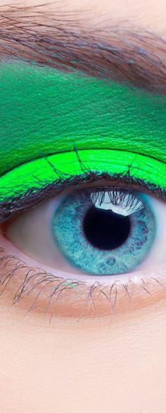 Fluro Green/Blue Eye
