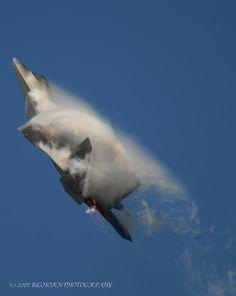 F-22 Raptor in Vapor
