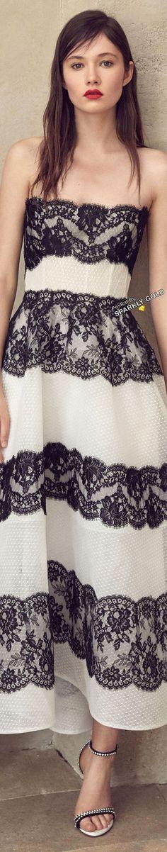 Monique Lhuillier Spring 2019 RTW #MoniqueLhuillier White Springs, Red Carpet Gowns, Prabal Gurung, Black White Fashion, Look Chic, Beautiful Gowns, Couture Fashion, Lace Dress, Monique Lhuillier