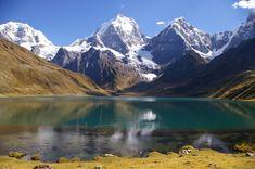 PERÚ · The Majestic Cordillera of Huayhuash - Carhuacocha Lake