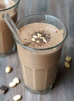 Vegan Peanut Butter Cup Shake. Naturally-sweetened, this smoothie tastes downright DECADENT.