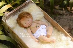 Alone in the forest, with a frog on her head. All cozy inside a small grotto just her size. I didn't inte. Crafty Fox, Bebe Baby, Dream Doll, Baby Swaddle, Waldorf Dolls, Cute Dolls, Baby Dolls, Doll Clothes, Children