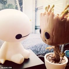 Bay: On a scale of 1 to 10 how would you rate your pain. Groot: I AM GROOT!