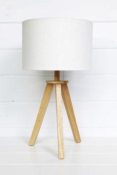 Ono Tripod Table Lamp