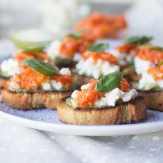 crostini-pesto-tomate-mozzarella-thermomix-portada