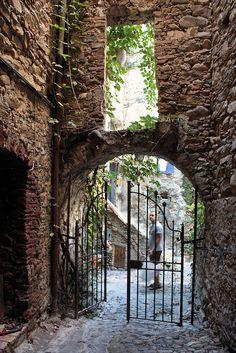 Gates in Bussana Vecchia, Liguria, Italy Beautiful Sites, Beautiful World, Beautiful Places, Places In Italy, Places To See, Wrought Iron Garden Gates, Honeymoon Places, European Tour, Sicily
