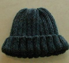 Groovy Mom Crafty - Free Knitting Patterns - Chunky Ribbed Hat