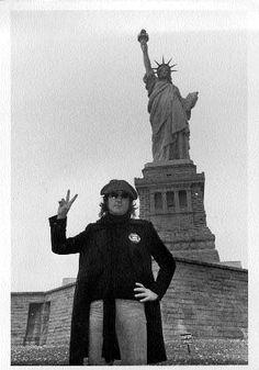 John Lennon photos – The Beatles Bible Liverpool, Ringo Starr, George Harrison, Pop Rock, Rock And Roll, Paul Mccartney, Woodstock, Don Delillo, John Lennon And Yoko