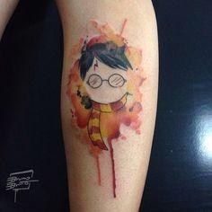 I have the tatto Hogwarts Tattoo, Mini Tattoos, Body Art Tattoos, Tatoos, Harry Potter Tattoos, Literary Tattoos, Hp Tattoo, Book Tattoo, Tatouage Goth