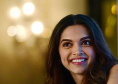 """CELEBRITIES DON'T LEAD A FAKE LIFE   Deepika Padukone has rejected suggestions that celebrities, including those from the world of cinema, lead a """"fake"""" life.    Deepika made the remark in the context of her upcoming film 'Tamasha,' where she is paired opposite actor Ranbir Kapoor.  The trailer of the Imtiaz Ali-directed film, which was released recently, shows Ranbir depicting http://siliconeer.com/current/2015/09/25/celebrities-dont-lead-a-fake-life/"""