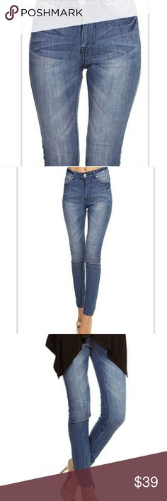 Faded Jeans Stretchy faded jeans. Comfortable mid rise. Jeans Skinny