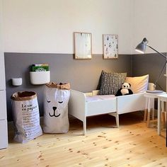 Ladies bags ideas simple Kids Room with a vintage bed and lots of style Rooms Decoration, Room Decor, Wall Decor, Half Painted Walls, Casa Kids, Boho Deco, Deco Kids, Kids Room Design, Home And Deco
