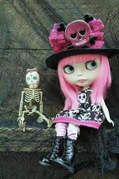 Blythe, she's a secret little goth ;)