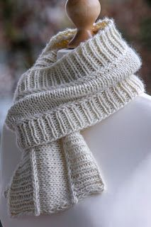 The Content For You Personally If You Love easy knitting patterns Easy Knitting Projects, Easy Knitting Patterns, Knitting Kits, Knitting For Beginners, Baby Knitting, Knit Scarves Patterns Free, Finger Knitting, Scarf Patterns, Knitting Machine