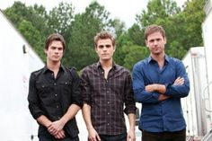 The Vampire Diaries Ian Somerhalder(Damon Salvatore), Paul Wesley(Stefan Salvatore) & Matthew Davis(Alaric Saltzman) Vampire Diaries Spoilers, Serie The Vampire Diaries, Vampire Diaries Stefan, Vampire Diaries The Originals, Paul Wesley, Damon Salvatore, Ian Somerhalder, Matthew Davis, Nina Dobrev