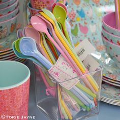 Colourful spoons from @pinksgreen0286